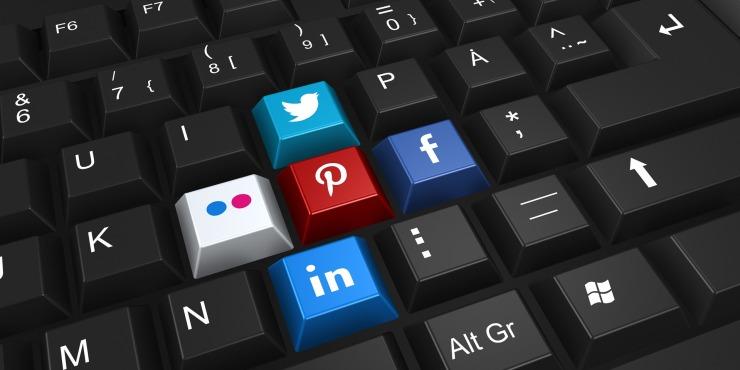 social-networking-2187996_1920.jpg